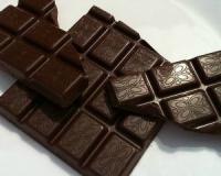 Dark chocolate, red wine and other delicious heart-healthy superfoods to work into your diet