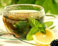 Do you want to stop your skin from ageing? Then you need to start steeping these seven teas