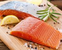 You can cut your rheumatoid arthritis risk by 52% by eating salmon at least once a week, according to Swedish study