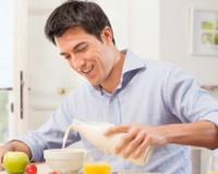 Eating breakfast can help decrease your BMI and burn more calories