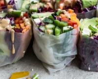 These rainbow rice paper rolls are loaded with crispy, colourful vegetables and tofu (Bonus: They're vegan and gluten-free)