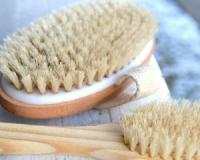 How to dry brush your face for a brighter, more beautiful complexion