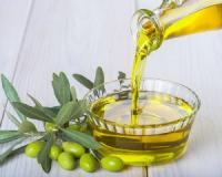 Olive oil lowers your risk of coronary artery disease, research reveals