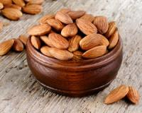 Eating almonds can help you build up muscle and stay slim